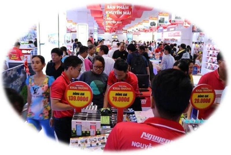 Nhiều mặt hàng đồng giá hấp dẫn dành cho khách hàng lựa chọn tại Nguyễn Kim Quận 7