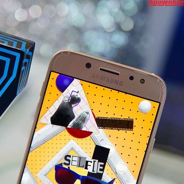 Camera trên điện thoại Galaxy J7 Pro là một trong những điểm thu hút người dùng