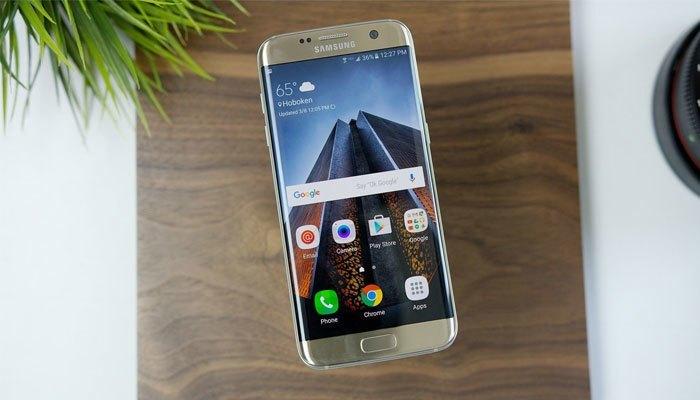 Samsung Galaxy S7 Edge là mẫu điện thoại Android thành công nhất 2016