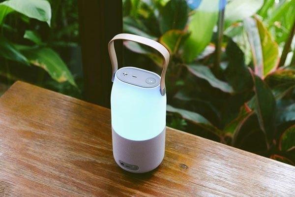 Loa Samsung Bluetooth có khả năng phát nhạc 360 độ thông qua kết nối không dây