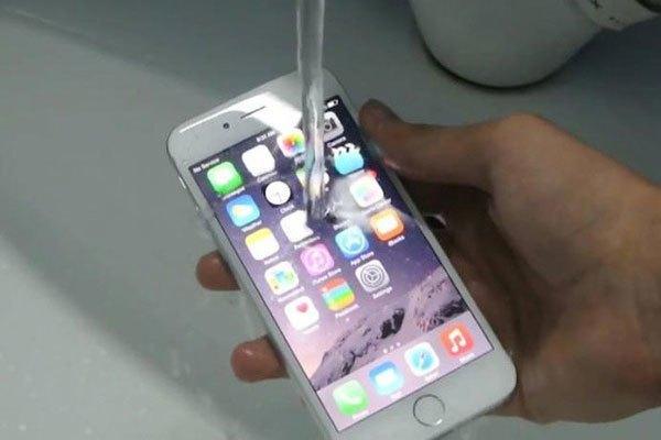 Điện thoại iPhone 8 sẽ có khả năng chống nước siêu đỉnh