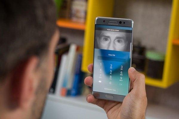 Cảm biến mống mắt hiện đại sẽ xuất hiện trên cả 2 chiếc điện thoại Samsung Galaxy S8 và S8 Plus