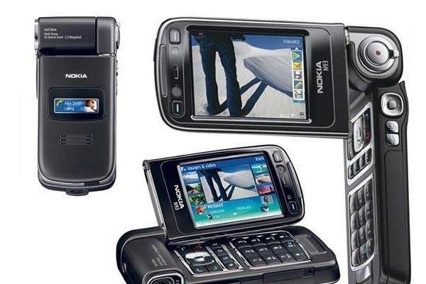 Điện thoại Nokia N93 thiết kế xoay độc đáo