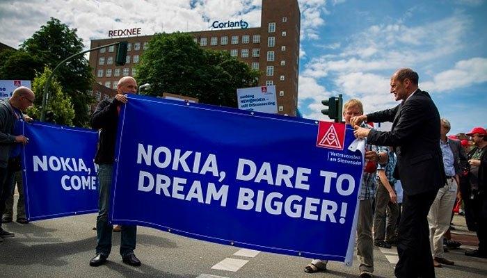 """Những người hâm mộ điện thoại Nokia vẫn mong chờ ngày trở lại hoành tráng của """"ông hoàng"""" này"""