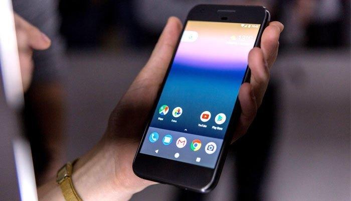 Điện thoại Google Pixel XL có pin tới 3450 mAh nhưng chỉ dừng lại ở vị trí thứ 5