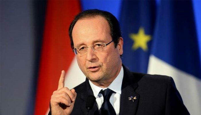 Tổng thống Pháp Francois Hollande sử dụng chiếc điện thoại iPhone 5 cho mục đích cá nhân của mình