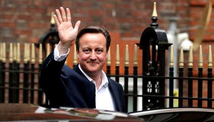 Cựu thủ tướng David Cameron của Anh cũng không chịu từ bỏ chiếc điện thoại BlackBerry