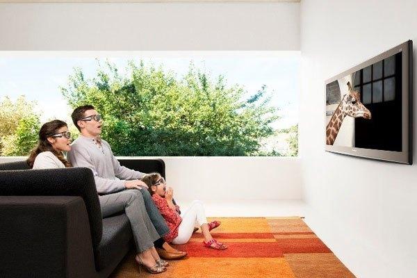 Xem phim trên smart tivi sinh động hơn với kính 3D