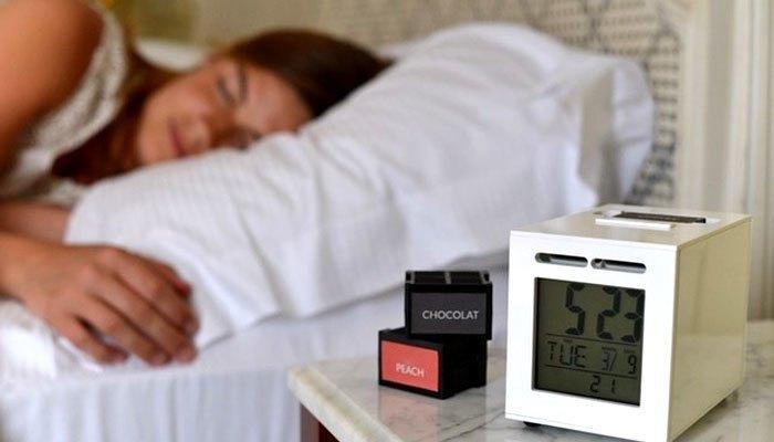 sử dụng đồng hồ báo thức thay cho smartphone để buổi sáng có ý nghĩa hơn