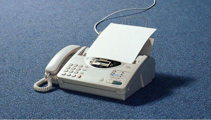 Sự chân thành đến từ những bức thư tay gửi bằng máy fax luôn khiến chúng ta rung động và cảm nhận được tấm lòng của người viết