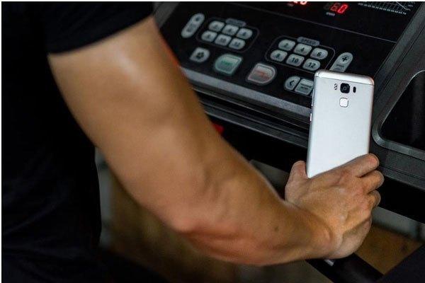 Điện thoại ZenFone 3 Max 5.5 inch có cảm biến vân tay mở khóa siêu nhanh