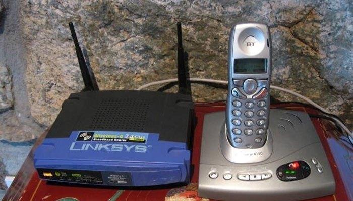 Không đặt thiết bị mạng quá gần các thiết bị điện tử để tránh bị cản trở sóng WiFi
