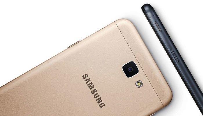 Thiết kế kim loại nguyên khối được bo tròn các góc tại sự tinh tế và hiện đại cho điện thoại Galaxy J5 Prime