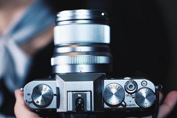 """Máy ảnh Fujifilm X-T20 có hệ thống điều khiển tương tự như máy """"tiền nhiệm"""""""