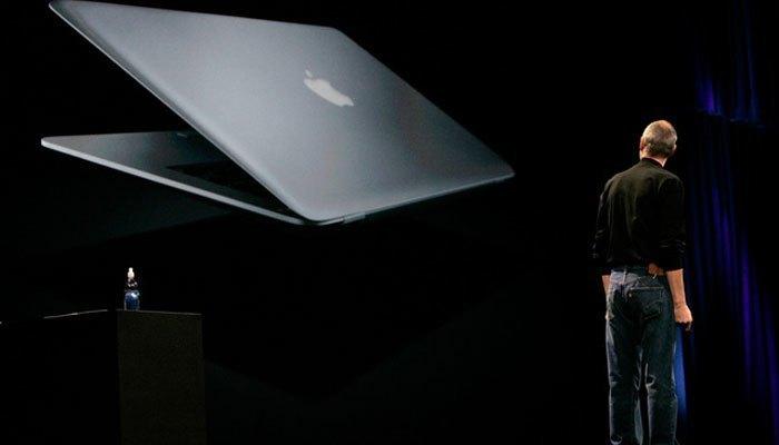Việc loại bỏ ổ đĩa quang trên máy tính xách tay Apple đã từng nhận ý kiến trái chiều tuy nhiên đến nay đã không còn ai lưu luyến nó nữa