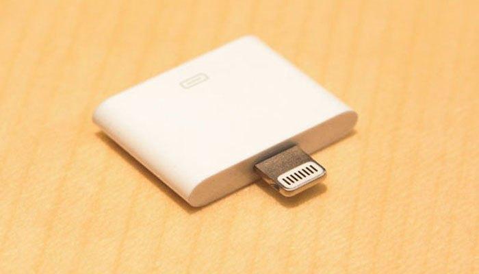 Một lần nữa, người dùng có thể mua adapter chuyển đổi từ Lightning sang 30 chân cho điện thoại với giá 29 USD