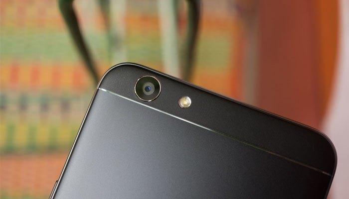Camera sau điện thoại OPPO F1s đen nhám độ phân giải 13MP