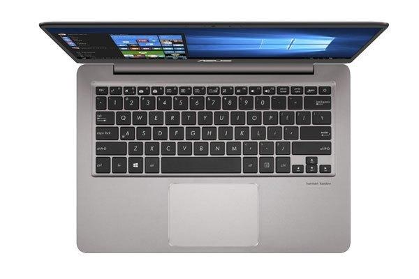 Touchpad thiết kế đẹp mắt cùng độ chính xác tuyệt đối là điểm cộng cho chiếc máy tính xách tay ASUS này