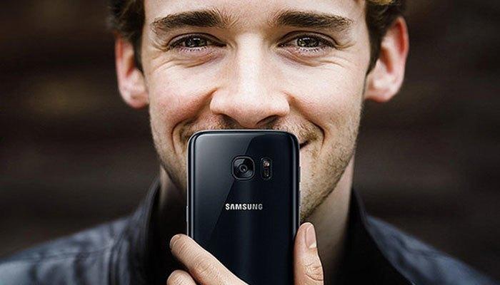 Điện thoại Samsung Galaxy S7 edge Onyx Black sang trọng, quý phái với tính năng chống nước hữu dụng
