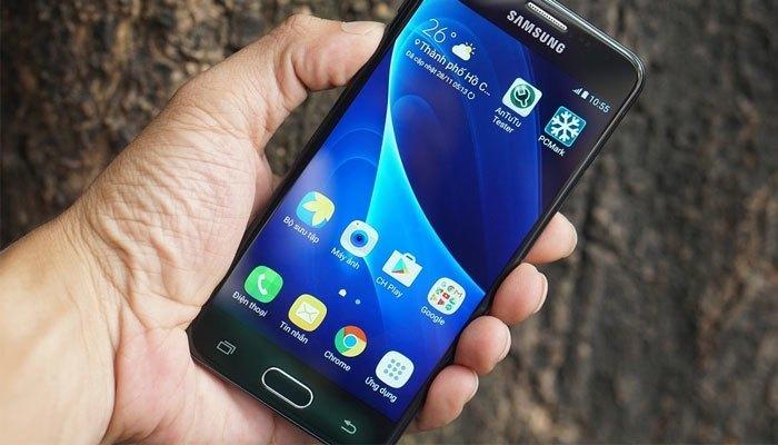 """Chạy trên nền Android 6.0 Marshmallow nhẹ nhàng, Galaxy J5 Prime sẽ hoàn toàn vượt qua các bài thử nghiệm cũng như chạy """"ngon lành"""" các ứng dụng mà không có gì phải lo ngại"""