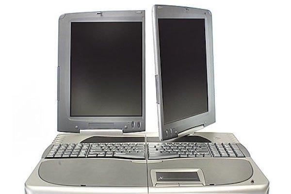 Các cặp đôi sẽ không còn tranh giành một chiếc laptop với nhau nếu dùng thiết kế này