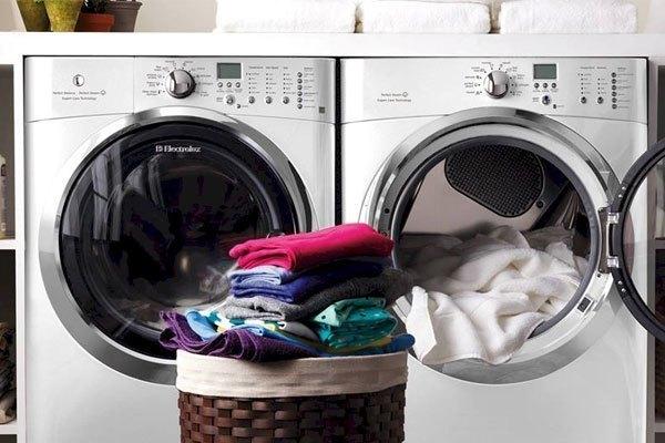 Dùng máy giặt cho chức năng sấy, bạn sẽ không phải dùng bàn ủi thường xuyên nữa