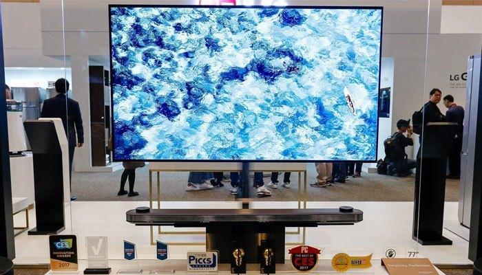 Mẫu tivi LG Signature OLED TV W với thiết kế siêu mỏng đẹp mắt