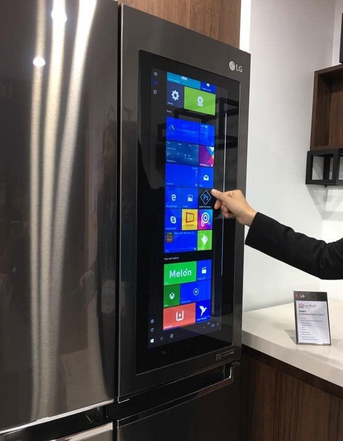 Màn hình như máy tính bảng của tủ lạnh LG khiến người dùng thích thú
