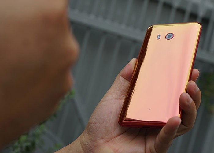 Nhanh như chớp điện thoại HTC U11 trở thành màu Cam.