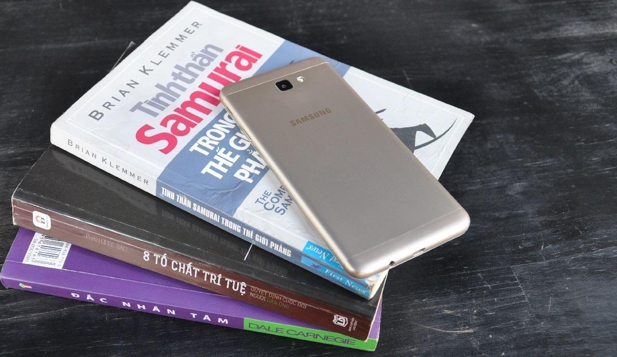 Samsung Galaxy J7 Prime, thay đổi nhỏ để tạo ra cách biệt lớn