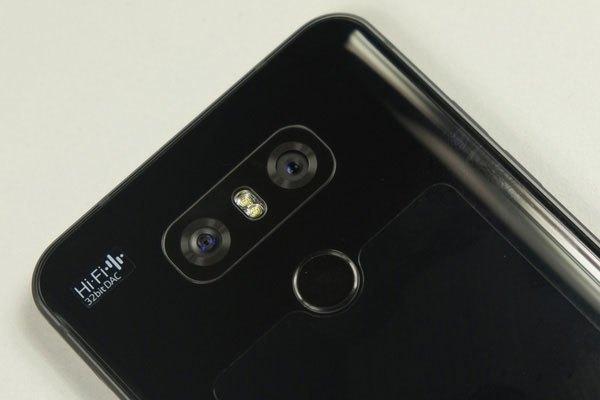 Hệ thống camera kép điện thoại LG G6 bao gồm hai cảm biến Sony IMX258 13MP.