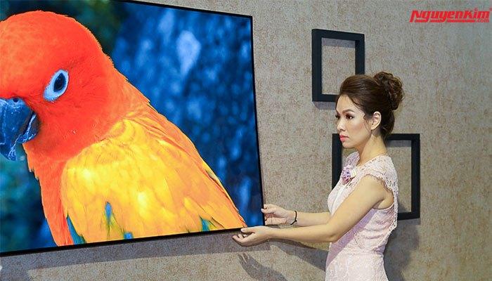 Mỏng đến kinh ngạc chính là điều mà ai cũng phải thốt lên khi vừa nhìn thấy dòng tivi OLED Signature W7 này