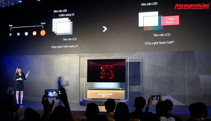 Màn hình lớn từ 65 và 77 inch và sử dụng những công nghệ cao cấp nhất, mang đến trải nghiệm khó quên cho người tham dự lễ ra mắt