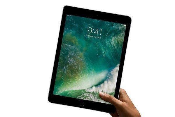 Được tập trung vào tính di động nên mẫu máy tính bảng iPad này khá nhẹ nhưng vẫn chắc chắn