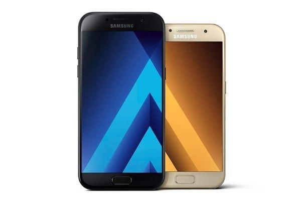 Di chuyển được nút chụp ảnh là nét độc đáo của dòng điện thoại Samsung Galaxy A 2017