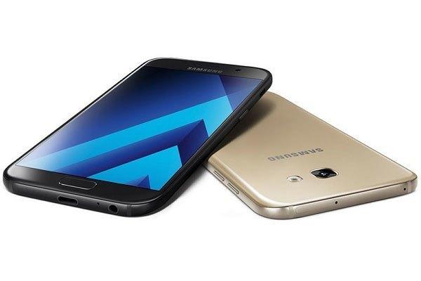 Từ giờ người dùng có thể giải trí thả ga với chế độ sạc nhanh trên những mẫu điện thoại này của Samsung