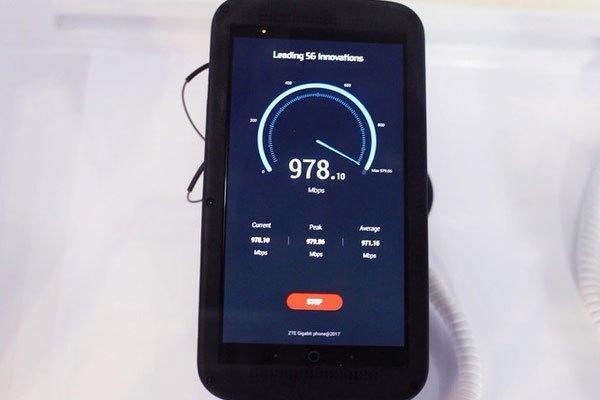 """Điện thoại 5G ZTE Gigabit với tốc độ tải nhanh đến """"chóng mặt"""""""