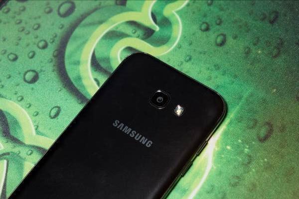 Galaxy A7 2017 - chiếc điện thoại đang khuấy đảo thị trường công nghệ những ngày đầu năm
