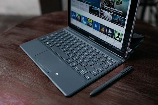 Máy tính bảng Galaxy Book sở hữu pin khủng giúp bạn tận hưởng tối đa thời gian giải trí hay làm việc