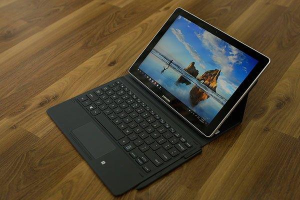 Được trang bị màn hình rộng cùng hệ điều hành Windows 10, Galaxy Book là máy tính bảng phù hợp cho nhân viên văn phòng