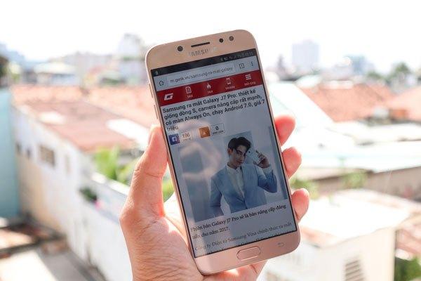 Điện thoại Galaxy J7 Pro sở hữu màn hình 5.5 inch
