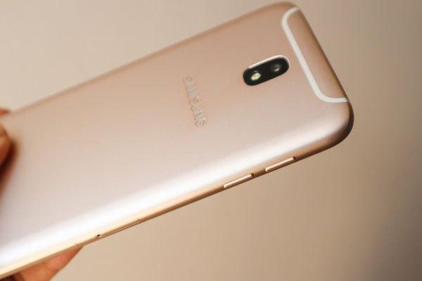 Thiết kế của chiếc điện thoại Galaxy J7 Pro không hề thua kém dòng S cao cấp của Samsung.