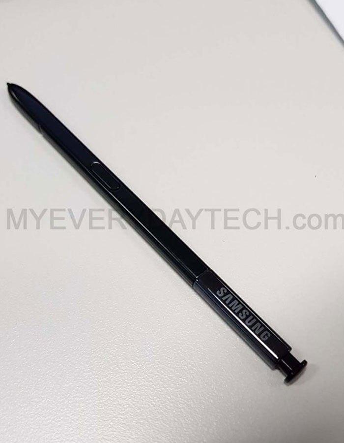 """Thiết kế bút S Pen """"thần thánh"""" trên Galaxy Note 8 vẫn tương tự những phiên bản trước"""