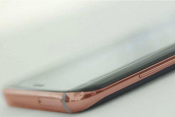 Vàng thật được mạ trên viền điện thoại Galaxy S8/ S8 Plus