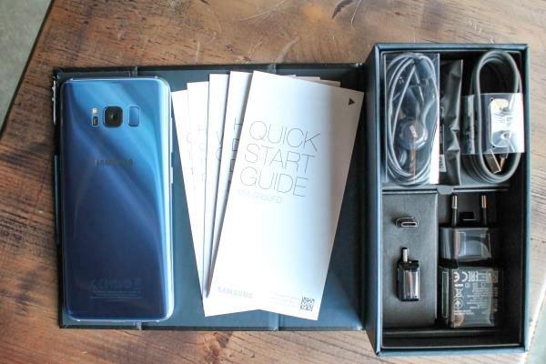 """Không chỉ thiết kế bắt mắt mà cấu hình của điện thoại Galaxy S8 cũng vào hàng """"khủng"""" trên thị trường"""
