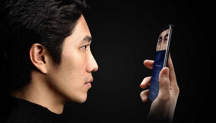Công nghệ quét mống mắt được trang bị trên điện thoại Galaxy S8