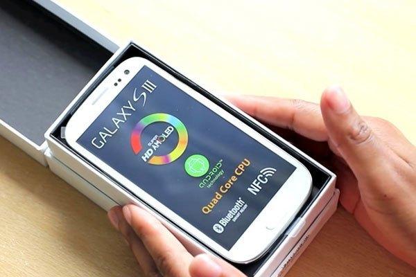 Xuất hiện sau S II vài tháng nhưng điện thoại Galaxy S III được đánh giá rất cao về cấu hình