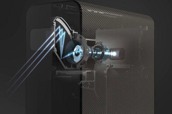 Sony tích hợp nhiều cảm biến bên trong máy chiếu Xperia Touch, bao gồm cả cảm biến nhận dạng cử chỉ, ánh sáng và môi trường xung quanh