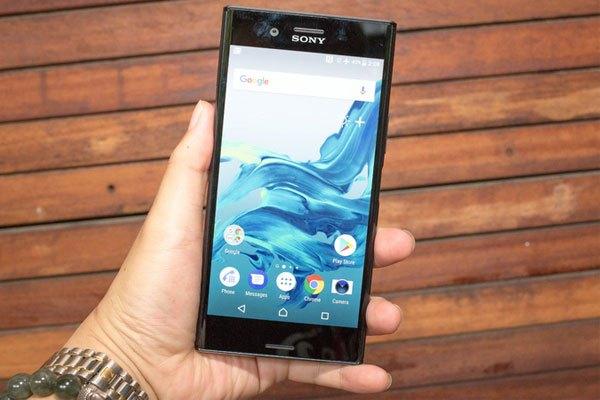 Xperia XZ Premium là chiếc điện thoại đầu tiên sở hữu màn hình 4K HDR, Xperia XZ Premium được đánh giá sẽ cho chất lượng hình ảnh không thua kém bất kì tivi cao cấp nào.