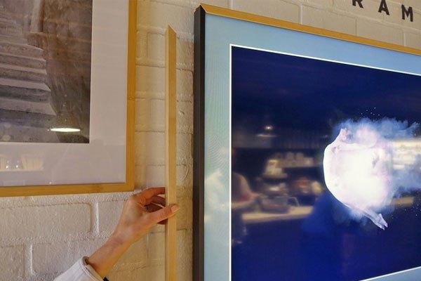 Trước The Frame tivi, Samsung đã từng giới thiệu model Serif TV tương tự